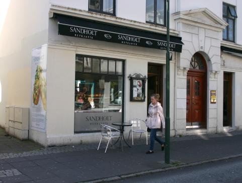 Sandholt café and bakery